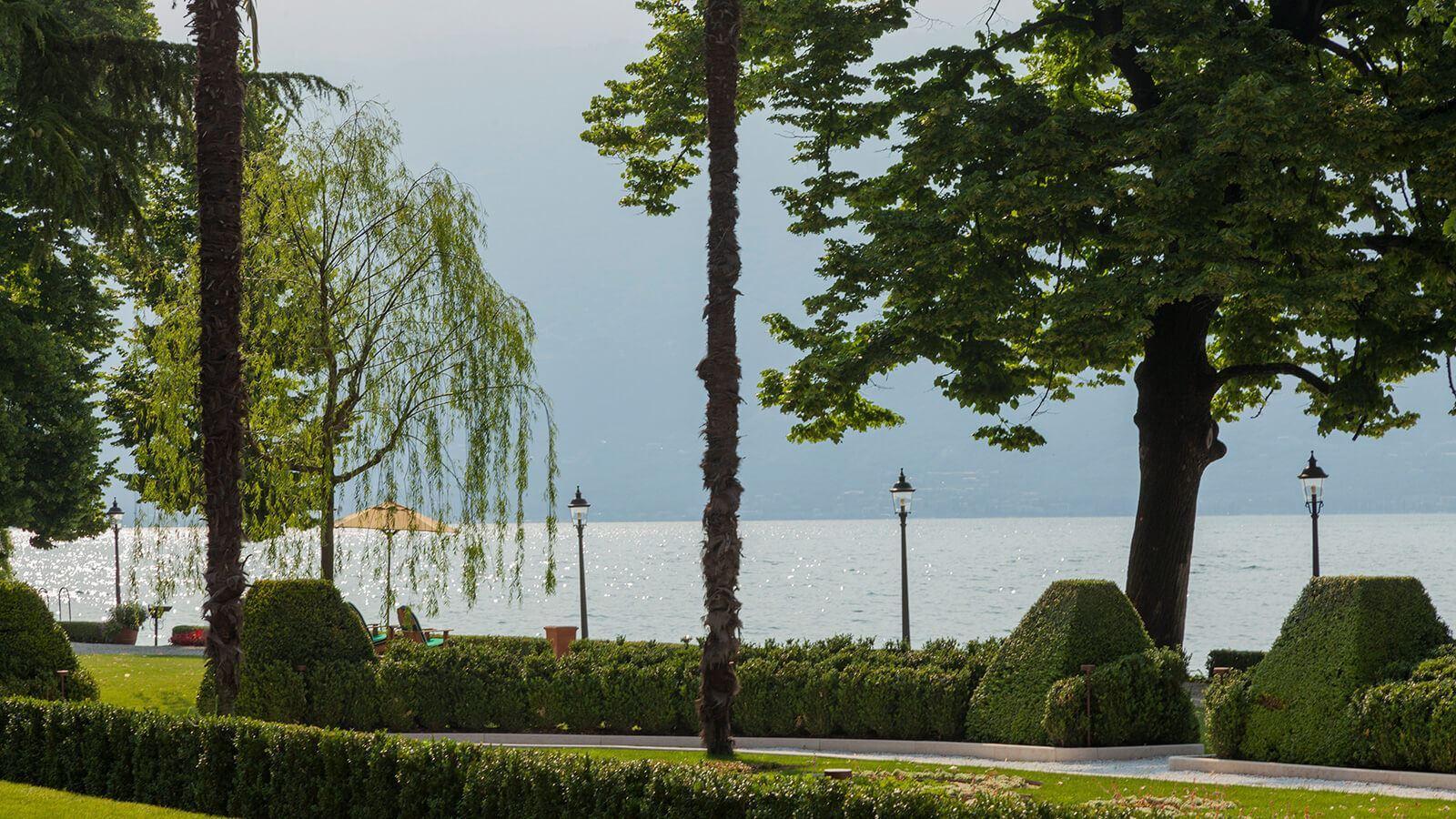 Grand-Hotel-Villa-Feltrinelli-Lake-Garda-03-The-Garden-and-the-lake